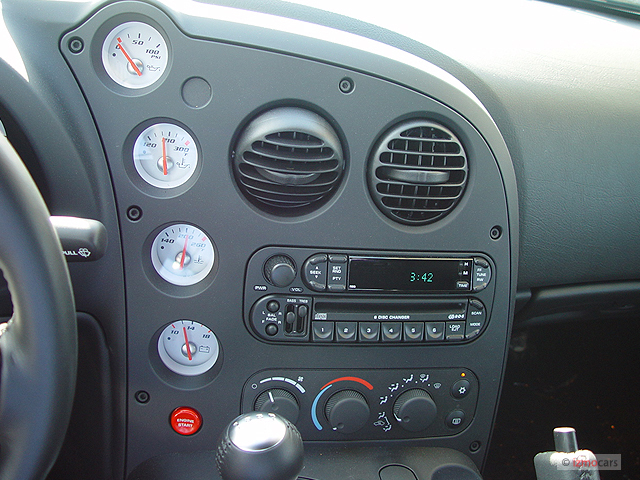 Name:  2004-dodge-viper-2-door-convertible-srt10-instrument-panel_100273133_m.jpg