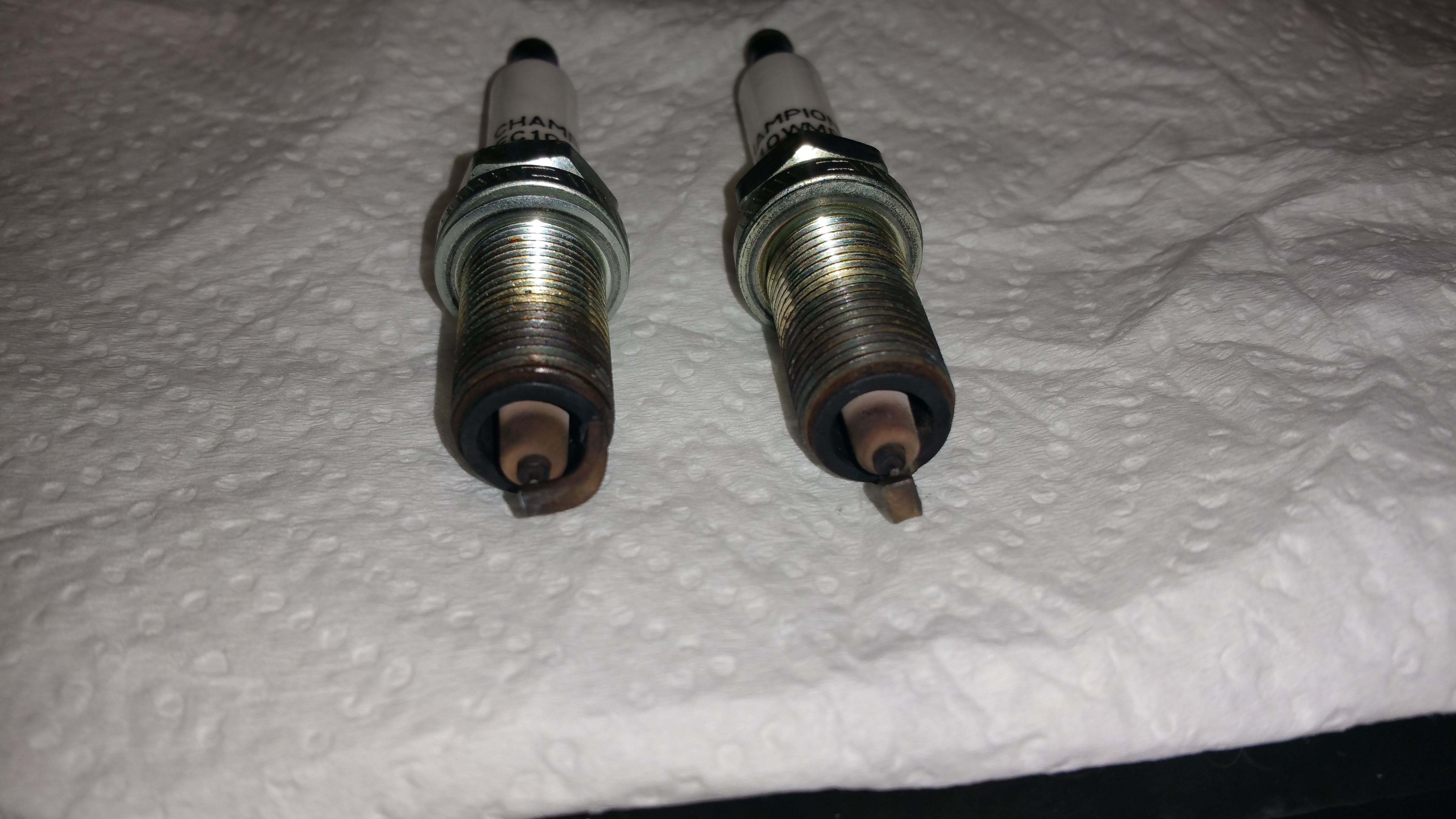 spark plug change w questions and pictures. Black Bedroom Furniture Sets. Home Design Ideas