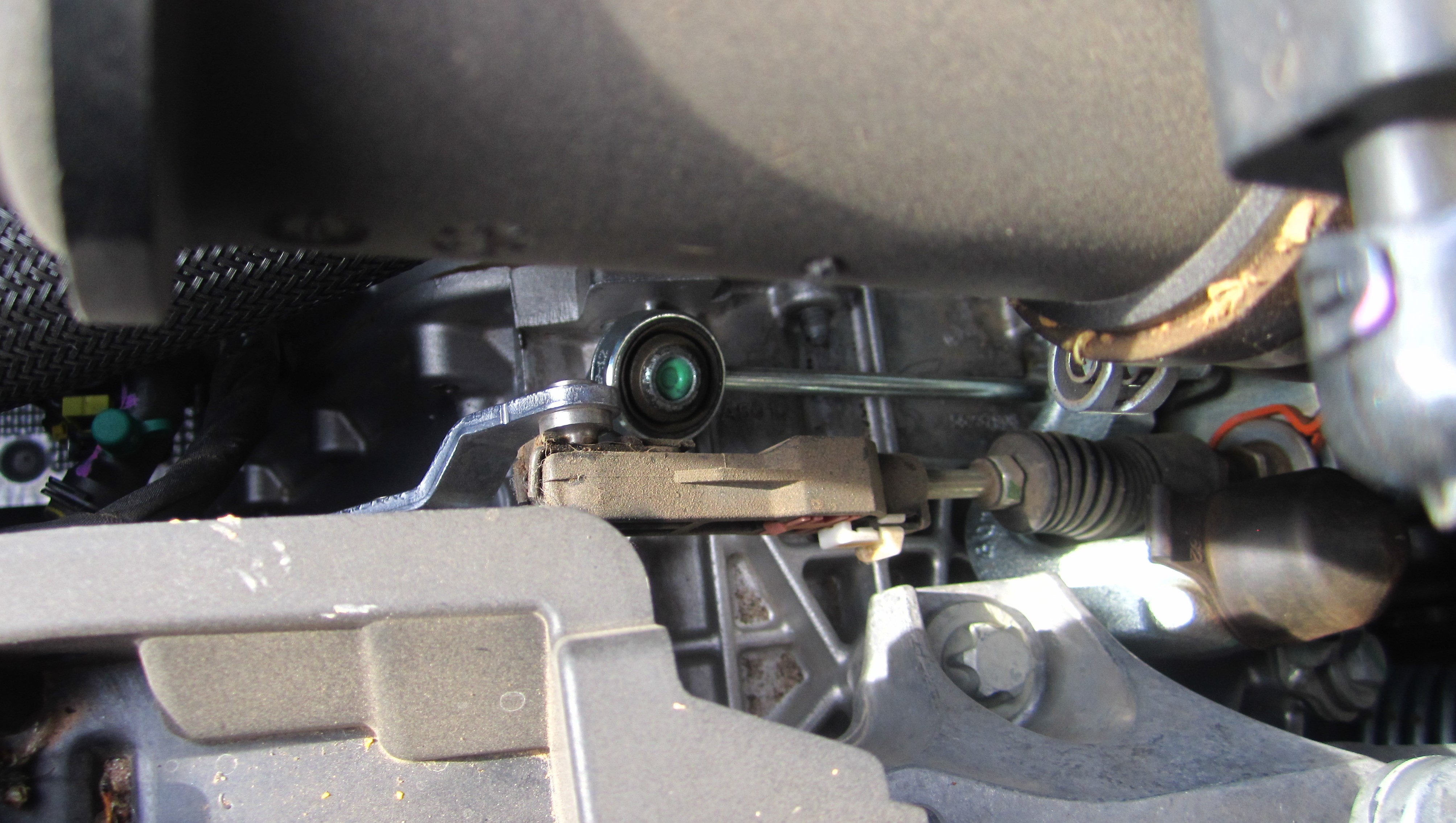 Dodge Dart Turbo >> Do Aeros have a different kind of manual transmission? Look at the clutch linkage.